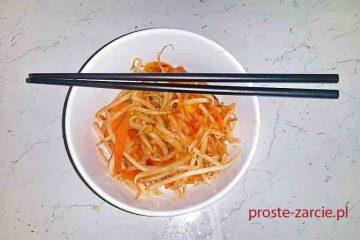 sałatka z kielkow fasoli mung